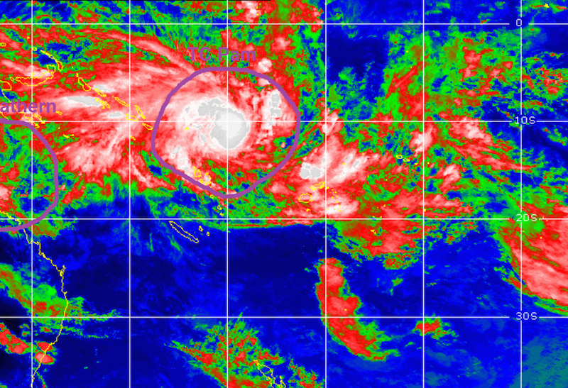Cyclone Pam Vanuatu - source: mogsyaway - date: 11 March 2015